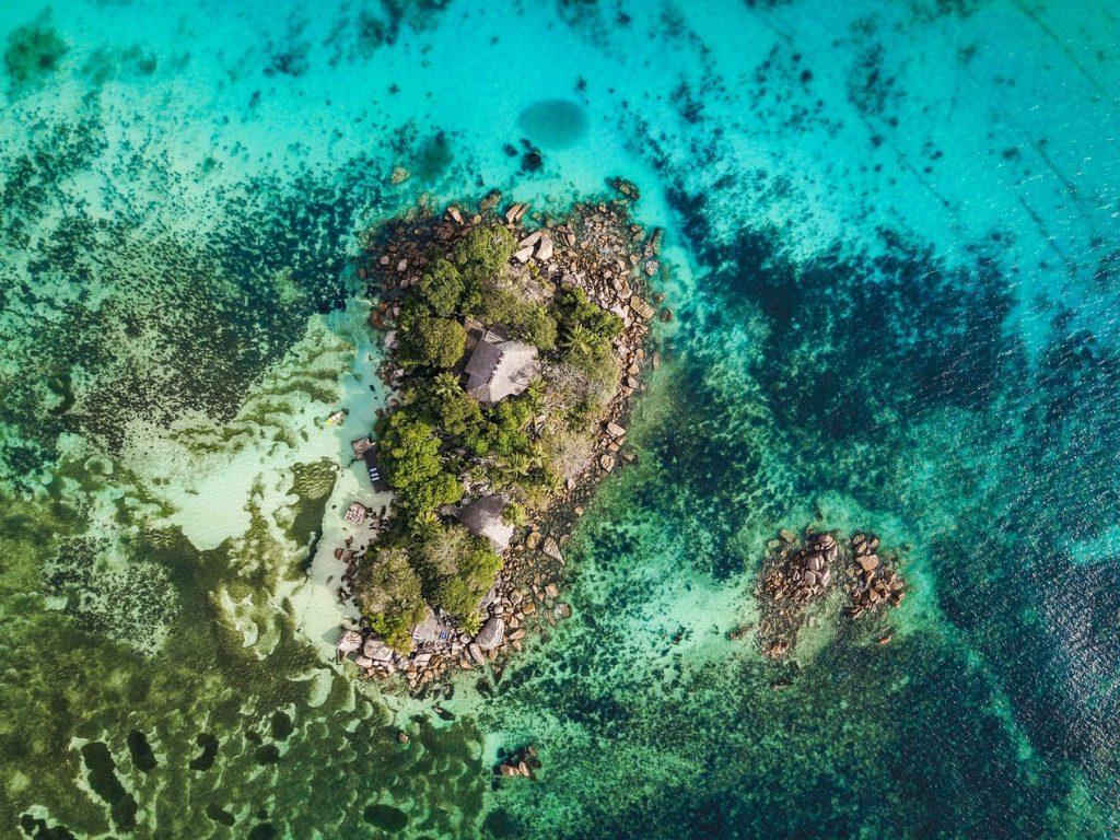 Ilhota em Praslin Vista de Cima